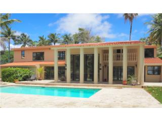 Executive, Beach Front Home w/Pool!