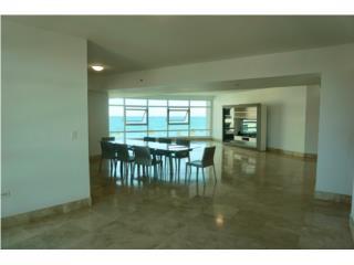 Modern & Luxe Condado apartment Bristol