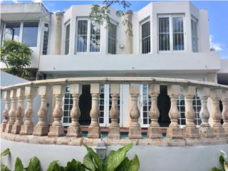 Fabuloso Townhouse en Garden Hills, Guaynabo