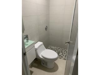 Apartamento con agua y luz  1 h y 1 b 349-1000
