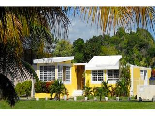 Beautiful 4 Bedroom Home Steps from Beach!