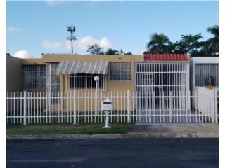 Casa Remodelada 3 cuartos 2 baños 750 renta