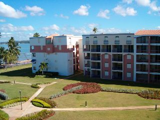PH Golf y Playa, 3h-2.5b, amueblado, equipado