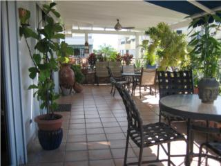 Attractive Duplex in the heart of Condado!