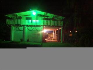 Casa de playa con rampa y muelles