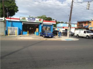 Local de esquina en Ave. San Patricio