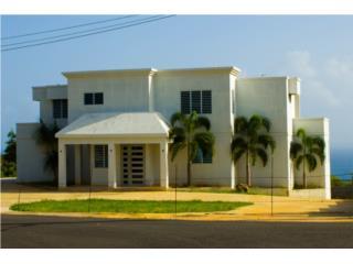 Casa cn MAJESTUOSA VISTA AL MAR! Rebajada $70,000