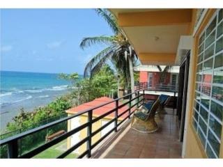 Punta Pozuelo, casa multifamiliar ocean front