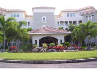 Luxury Penthouse in Plantation Village