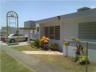 Hermanas Davila, 25 estacionamientos