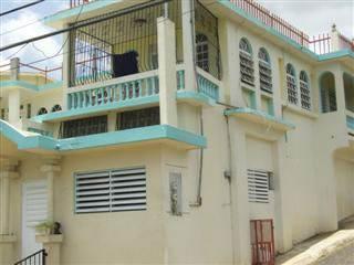 Propiedad para Inversion con 5 apartamentos
