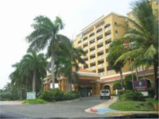 Golden Sands, Embassy Suites Hotel