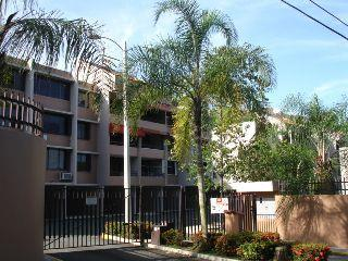 BEVERLY HILLS COURT -GUAYNABO BELLO APT.