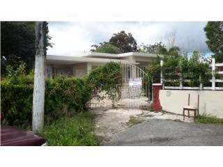 Casa en el pueblo con 1600 metros yabucoa PR