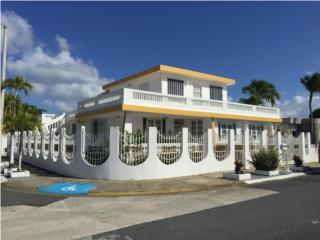 Villa Carolina 5ta Sección,5H/3.5B,Family,Esquina