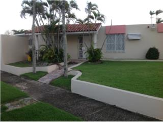 3 Bdrm Corner Home Steps from Beach Dorado del Mar