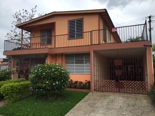 Sierra Berdecia, dos casas