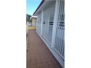 Rebajada casa de 5H y 2B en Urb. Villa Prades