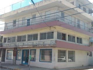 Edificio Com. 3 Pisos, de esquina en Gurabo