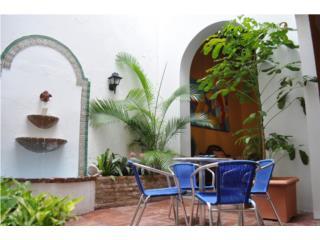 2Bedroom/2bath interior courtyard colonial ap