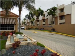 Walk/Up Guaynabo Valles De Torrimar PH 3/2