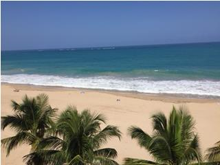 Spectacular beachfront apartment, Condado