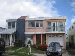 Duplex en Urb. Villa Carolina 3/3 105k