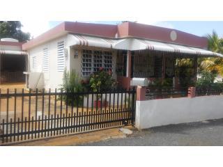 Amplia residencia Quebradillas 3H/ 2B...accesible