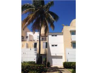 Sunny 4 Bedroom in Golf Villas East
