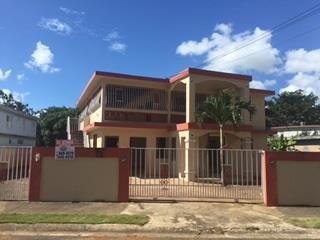URB. GOLDEN HILLS, DORADO - CASA CON AMPLIO SOLAR