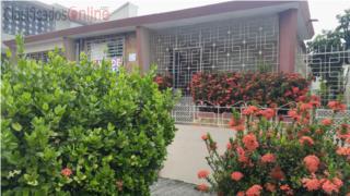 Urb.Puerto Nuevo Casa Terrera