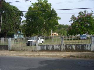 Barrio Santana cerca del auto cine Arecibo PR