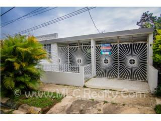 Linda Residencia Urb El Regional – Arecibo