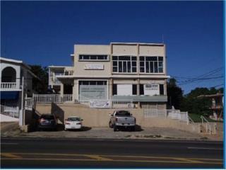 Edificio en la carr. 107 en Aguadilla