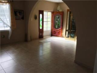 Residencia en la calle Añasco de Guayanilla