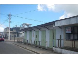 Comercial en el Centro del Pueblo de Vieques