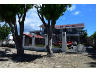 Beachfront house in Combate Beach, Cabo Rojo