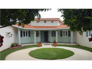 Moderna Hacienda con cinco cuerdas de terreno