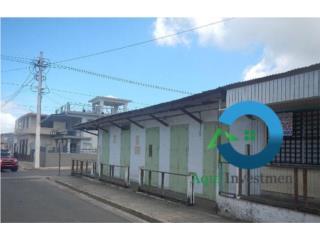 Comercial de esquina en el pueblo de Vieques