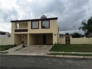 Residencia en Mansiones de Monterrey en Yauco