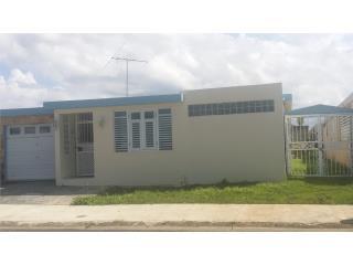 Linda casa terrera. ALTURAS DE FLAMBOYAN