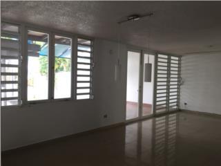 Torremolinos Guaynabo Duplex 2 niveles 3H 2B