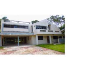 Amplia Casa en Guaynabo 6h/4b $301k