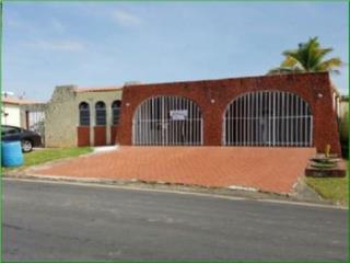 Urb. Cana, Bayamon, Casa