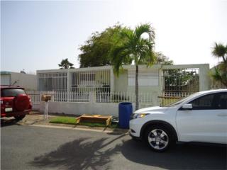 Casa en Vega Baja, 3 cuartos 1 baño