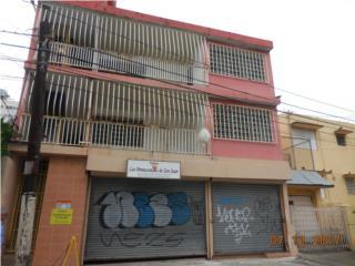 Santurce, Calle Del Carmen a pasos de Walmart