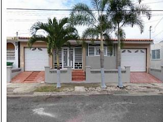 Cayey, Calle Topacio (H)