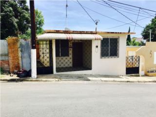ACOGEDORA PROPIEDAD EN PUEBLO DE GUAYAMA