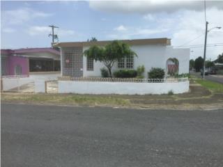 Villa Prades, casa esquina, amplio patio $ 82K