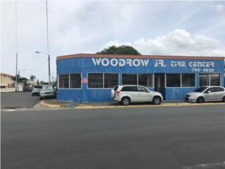 Levittown , Comercial Ave Boulevard- Esquina